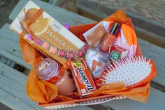 Orange Birthday Package + Free Printables - - This birthday gift idea is a creative and fun way to celebrate someones birthday. Friends and family are going to love this Orange Birthday Package idea. Cute Birthday Ideas, Creative Birthday Gifts, Cute Birthday Gift, Birthday Gifts For Best Friend, Birthday Box, Friend Gifts, Birthday Presents, College Gift Baskets, Teacher Gift Baskets