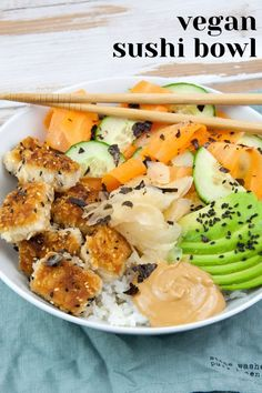Recipe for a delicious vegan Sushi Bowl with crispy tofu, veggies avocado, and peanut sauce. | ElephantasticVegan.com #vegan #sushibowl