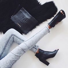 mode chaussure jean look noir city fashion girl girly Look Fashion, Fashion Beauty, Winter Fashion, Fashion Shoes, Elle Fashion, Fashion Black, 90s Fashion, Fashion Addict, Girl Fashion