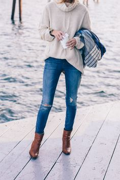 Turtleneck Sweater and Skinny Jeans - simple & cozy