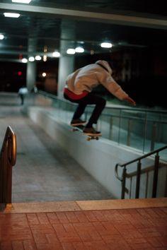 A skater boyfriend Skates, Skate Photos, Skater Boys, Skate Surf, Skateboards, Kitesurfing, Aesthetic Pictures, Michael Jordan, Skateboard Art