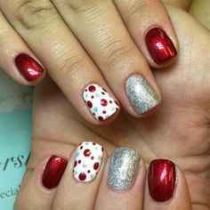 Cool 40 Amazing Christmas Nail Art Designs Ideas For Your Inspiration Christmas Gel Nails, Christmas Nail Art Designs, Holiday Nails, Silver Christmas, Diy Christmas Nails Easy, Red Christmas Nails, Christmas Christmas, Fancy Nails, Pretty Nails