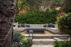 51 Outdoor Entertaining Urban Courtyard for Entertaining - Abnehmen und Fitness Outdoor Dining, Outdoor Spaces, Outdoor Decor, Carmel Beach, Courtyard House Plans, Secret House, Backyard, Patio, Island Life