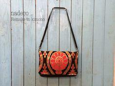 帯クラッチバッグ  2つ折り、ショルダーストラップ付き(黒、赤、白、黄、金、花)