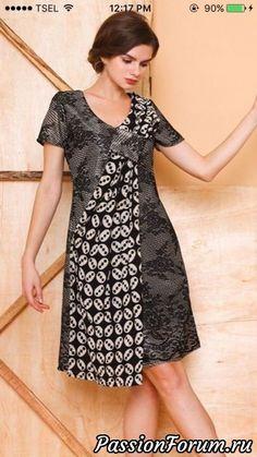 Идеи нарядов. - запись пользователя Olga202202 в сообществе Болталка в категории Интересные идеи для вдохновения African Fashion Dresses, African Dress, Fashion Outfits, Emo Outfits, Blouse Batik, Batik Dress, Mode Batik, Batik Kebaya, Dress Pesta