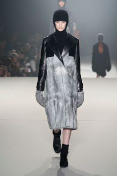 La Fashion Week de New York démarre très fort.    http://www.femina.ch/galeries/mon-style/fashion-new-york    (CP: Imaxtree)