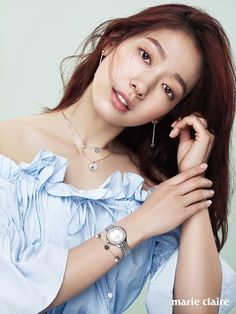 Gorgeous! Park Shin Hye modeling different poses, hairstyles and clothing with Swarovski Jewelry makes me wanna go shopping, check it out! Source | Marie Claire