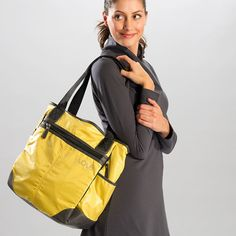 This versatile tote bag defines mobile multi-tasking with plenty of places to organize your daily doodads. And when you need to unwind after a busy day, it even holds your yoga mat! New Outfits, Casual Outfits, Gym Bag Essentials, Best Bags, Shopping Bag, Bag Accessories, Tote Bag, Clothes For Women, Lady