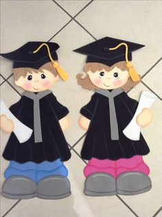 Foami graduates - New Deko Sites Graduation Images, Graduation Templates, Graduation Crafts, Graduation Cupcake Toppers, Graduation Party Planning, Graduation Theme, Kindergarten Graduation, Kids Crafts, Preschool Crafts