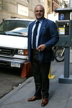 Proof that a larger man can look great when well dressed.