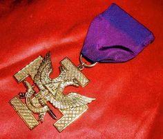 GLOWING GOLDEN EAGLE! WINGS UP! Old MASONIC 32nd Deg JEWEL Scottish Rite! ORNATE