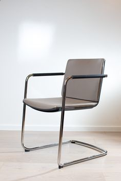 Cantilever chair Neos | Conference and visitor chair | 183/3 #wilkhahn  | #london