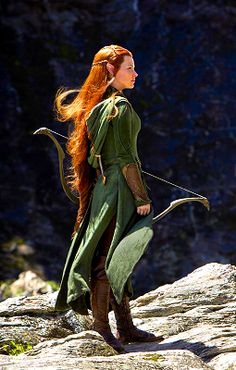 From the Hobbit movie: Tauriel, wood elf. Tauriel, Legolas, Tolkien, O Hobbit, The Hobbit Movies, Desolation Of Smaug, Evangeline Lilly, Elvish, Medieval Fantasy