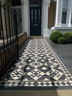 York stone Entrance stone low maintenance path rails gate metal low maintenance small front garden London Chelsea Fulham Kensington Wandsworth You are in the right place about home maintenance videos Up House, House With Porch, House Front, Front Garden Path, Front Path, Garden Paths, Victorian Front Garden, Victorian Terrace, Victorian Tiles