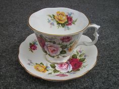 Royal Albert Bone China    Floral Tea Cup Saucer