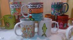 Tazas pintadas a mano. aptas lavavajillas y microondas. Hacemos encargos personalizados: pachimudesign@gmail.com