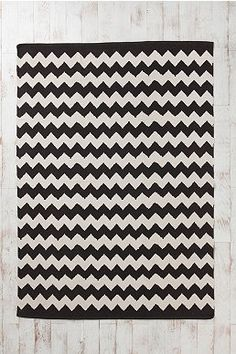 Chevron rug- want, want, want.