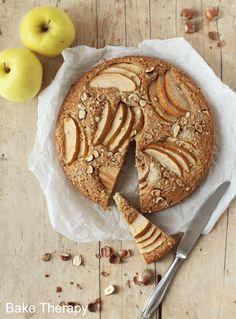 Torta di male, nocciole e avena Apple pie with hazelnut and oat