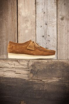 The Best Men's Shoes And Footwear : Clarks Originals Wallabee – Cola -Read More – Best Shoes For Men, Men S Shoes, Clarks Originals, Mens Fashion Shoes, Swagg, Me Too Shoes, Casual Shoes, Shoe Boots, Bright Shoes