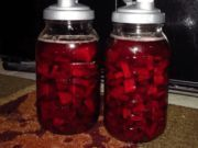Beetroot compote is a traditional Russian recipe of a fermented beverage that is very useful, and contains components that activate the liver, kidneys and intestines. It is made by fermentation of old bread. Cleanse Your Liver, How To Treat Anxiety, Dieta Detox, Russian Recipes, Medical Prescription, Beetroot, Unique Recipes, Health Advice, Winter Food