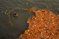 In India, there's water everywhere, and nowhere National Geographic, Varanasi, Jaipur, Brahmaputra River, River I, Cycle Of Life, Plastic Pollution, What The World, Belle Photo