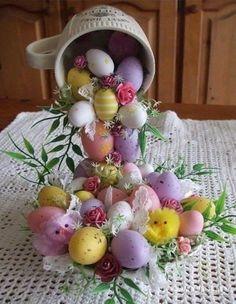 Cómo hacer un adorno floral o de Pascua con taza y plato ~ Solountip.com