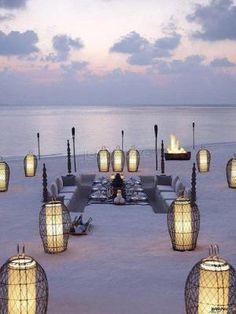 #ricevimento in #spiaggia con lanterne