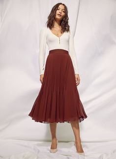 TWIRL SKIRT - Pleated, chiffon midi skirt Swishing and sashaying also encouraged. This is a dramatic A-line skirt with a wide waistband and permanent pleats that keep their shape. It's made with elegant chiffon that showcases the delicate sunburst pleats. Pleated Skirt Outfit, Long Skirt Outfits, Dress Skirt, Dress Up, Pleated Midi Skirt, Chiffon Skirt, Long Skirt Style, Long Skirt Looks, Maxi Outfits