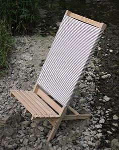 DIY Wooden Camp/Beach Chair @themerrythought