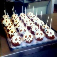 Disneyland poison candy apples, Halloween time
