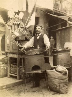"Chestnut Vendor, Italy Reminds me of Hemingway's ""In Another Country"" Vintage Photographs, Vintage Images, Old Pictures, Old Photos, Italian People, Vintage Italy, Antique Photos, The Good Old Days, Historical Photos"
