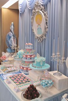Cinderella Theme Party with a beautiful and original decoration - Celebrat : Home of Celebration, Events to Celebrate, Wishes, Gifts ideas and more ! Cinderella Theme, Cinderella Birthday, Princess Birthday, Cinderella Baby Shower, Idee Baby Shower, Disney Princess Party, Childrens Party, 1st Birthday Parties, Dessert Table