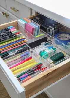 How to Customize Drawers with Off-the-Shelf Drawer Organizers Want to make the most of every inch in your drawers? I'm sharing how easy it is to customize your drawers with off-the-shelf drawer organizers! Office Organization At Work, Home Office Organization, Bathroom Organization, Organization Ideas For The Home, Organizing Ideas, Stationary Organization, Organising, Makeup Organization, Bathroom Drawer Organization