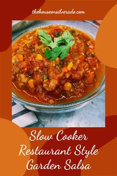 This easy Slow Cooker Restaurant Style Salsa tastes just like what you'd get at your favorite Mexican restaurant. Tomato Ideas, Tomato Side Dishes, Restaurant Style Salsa, How To Peel Tomatoes, Homemade Guacamole, Summer Side Dishes, Mexican Food Recipes, Ethnic Recipes, Vegetable Seasoning