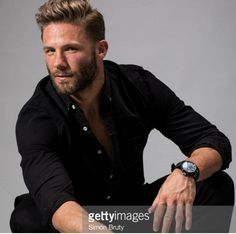 I'd come worship it anytime. Best wr in NFL. Hilarious & kind of a smartass. His puns are on point. He's a dilf now. is there ANYTHING not perfect about my sweet Jules? Hot Men, Sexy Men, Sexy Guys, Hot Guys, Patriots Julian Edelman, Julian Edleman, Costume Sexy, Nfl Football Players, New England Patriots Football