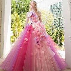Lazy Cinderellaピンクとパープルのグラデーションが鮮やかな大人可愛いドレス ウエディングドレスを探す ゼクシィ