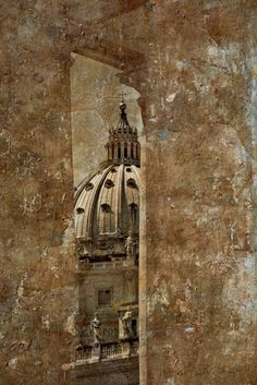 Diane Epstein Photography > Roman Monuments St. Peter's Basilica between the Columns, Rome   ref# 5330_layer_gold http://www.epsteinphotography.com/projects/roman-monuments/