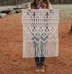 Best Photographs Macrame diy headboard Style Another macrame headboard in the books! Currently starting my third. I have had … – 지영 박 Macrame Design, Macrame Art, Macrame Projects, Macrame Knots, Macrame Mirror, Macrame Wall Hanging Patterns, Large Macrame Wall Hanging, Hanging Tapestry, Hanging Plants
