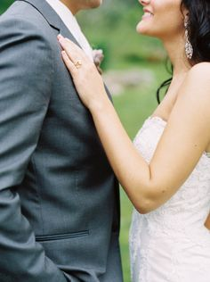 Gorgeous Green Bay wedding: http://www.stylemepretty.com/wisconsin-weddings/greenbay/2015/07/15/lush-country-club-wedding-in-green-bay/ | Photography: Emily Katharine - http://www.emilykatharine.com/