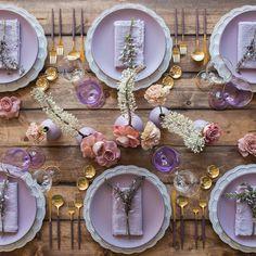 #HLo Tips: Utilizando el color Pantone 2018, se crea este montaje romántico y único enlazando perfectamente cada elemento. Fotografia. @casadeperrin  . . . . . . #wedding #weddings #weddingtrends #weddingpantone #weddingdesign #weddingmexico #bodas #bodasconencanto #montajedeeventos #weddingparty #weddingmoment #weddingplanner #weddinginspiration #weddingreception #weddingfun