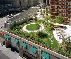 Shaw's Market at The Prudential Center in Boston, MA by CBT Architects Retail Architecture, Architecture Board, Sustainable Architecture, Landscape And Urbanism, Landscape Design, Green Terrace, Roof Tops, Rooftop Design, Pocket Park