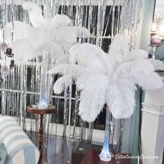 How to make beautiful DIY ostrich feather centerpieces (+ 7 variations), In this tutorial you will learn step by step how to make spring centerpieces. DIY ostrich feather c, Ostrich Feather Centerpieces, Masquerade Centerpieces, Mardi Gras Centerpieces, Masquerade Party, Balloon Centerpieces, Masquerade Masks, Burlesque Party, Centerpiece Decorations, Great Gatsby Party