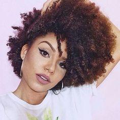 Fro of the day  Essa Ana é BAPHÔÔÔNICAAA  #cachoscompoder #cachos #cacheada #cacheado #br #CURLS #KeepCalmAndAssumaSeusCachos #KeepCalmAndSolteSeusCachos #Afro #CurlyHair #CoilyHair #KinkyHair #Afro #Crespo #naturalhair @analidialopess
