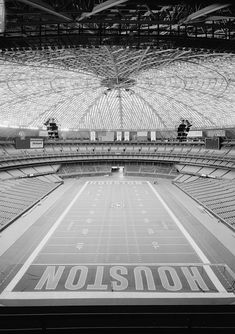 The Astrodome, Houston, Texas The Houston Astrodome is the world's first domed sports stadium and opened in Houston Oilers, Houston Tx, Only In Texas, Sports Stadium, Stadium Tour, Texas Flags, Texas History, Local History, Football Stadiums
