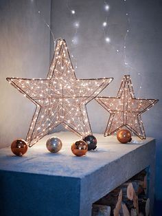 Standing Copper Wire Stars