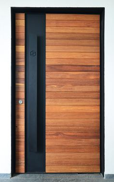 Discover recipes, home ideas, style inspiration and other ideas to try. Modern Entrance Door, Main Entrance Door Design, Modern Wooden Doors, Modern Exterior Doors, Modern Front Door, House Entrance, Entrance Doors, Rustic Doors, Wood Doors