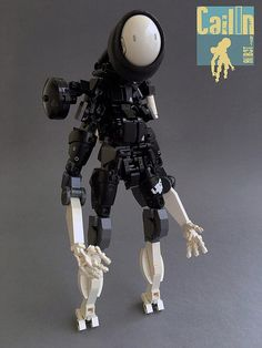 Flickt user Gamabomb is an expert mech builder. His recent creation CailIn  isparticularly interesting because of unusual head. Do you wonder how it is made? I was, but the mystery is easily explained when you follow Gamambomb's photo stream: