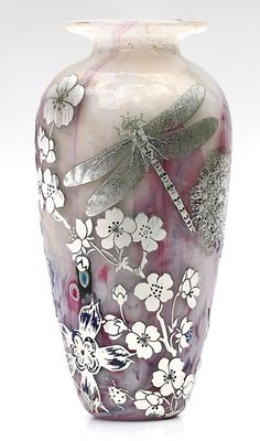 If you've ever broken a vase and glued it back together, only to despair that it will never look the same, make it into a beautiful item you'll love again by hiding the seams with some decorative. Glass Vessel, Glass Ceramic, Glass Art, Art Nouveau, Jonathan Harris, Vases, Dragonfly Art, Glass Design, Swarovski