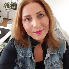 Ilk görüşte Aşık olmaya inandığım gibi ilk görüşte gıcık olmaya da inanırım  #selfie #selfienation #pink #ood #ootd #gününfotografi #lipstick #myfavorite #en #sevdigim #ruj #fashion #özcekim #amazing #ig #igers #instagood #instatürkiye #istanbul #izmir #iyiaksamlar #dilerim #gününfotosu #potd #motd #lotd #like #followme #takip #begeni by mavisch1974