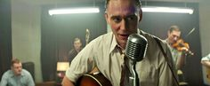 Le premier clip musical du biopic I Saw The Light sur Hank Williams avec Tom Hiddleston dans le rôle du chanteur vient de sortir.